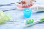 Apparecchio fisso: 4 strumenti per l'igiene quotidiana