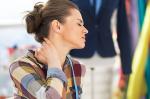 Cervicale: cause e rimedi per il dolore